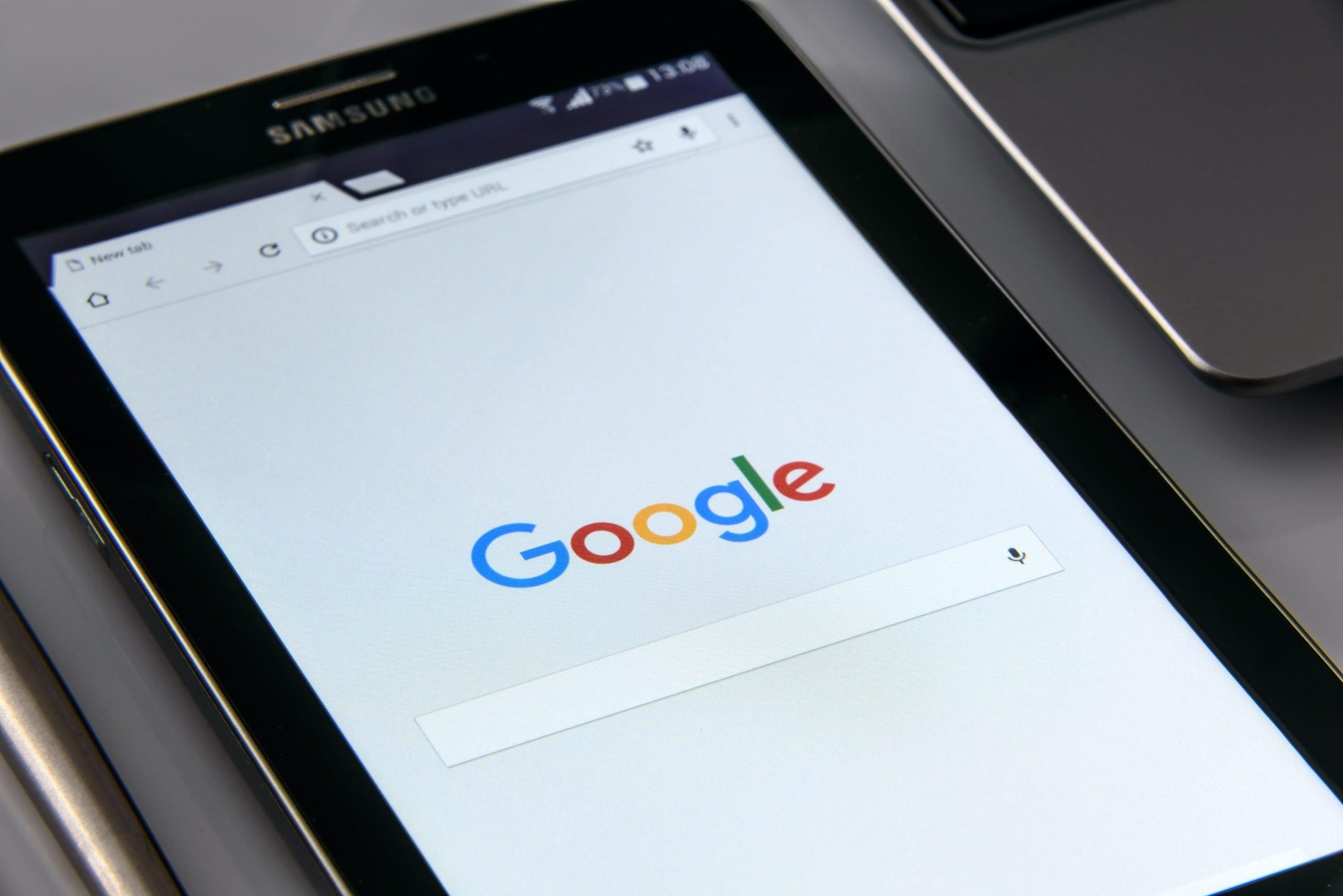 Google + avec une vidéo de YouTube